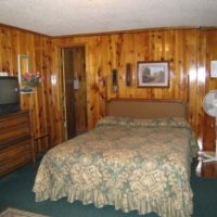 Sundance Kid – Two room two bath and kitchen lodging for 6 at Mountain Shadows Lodge